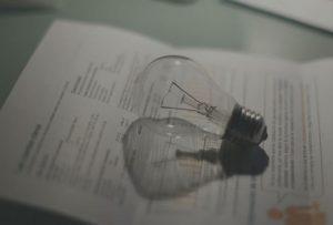 El recibo de la luz sube un 6% en noviembre y es el más caro en lo que va de 2020
