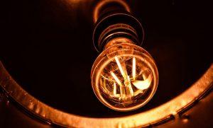 El recibo de la luz se dispara un 46,5% en lo que va de junio y apunta al más caro de la historia