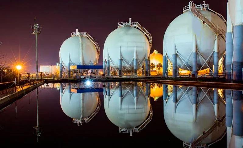 Home » ACTUALIDAD EN PORTADA MERCADOS PETRÓLEO & GAS Europa se juega el suministro de gas para este invierno: los almacenamientos, en los niveles más bajos de los últimos 10 años